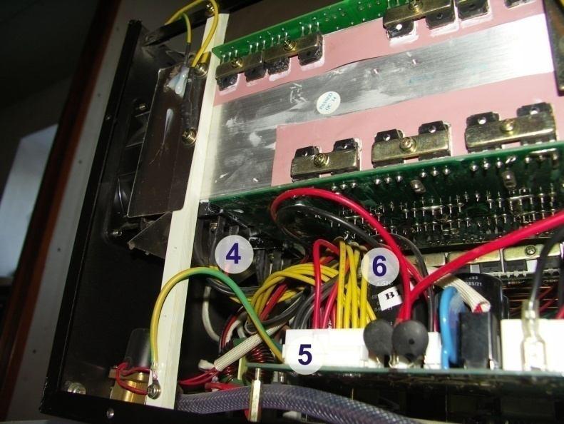 Фото сварочный инвертор Сварог внутри: 4- диодный выпрямитель, 5- разъемы, 6-батарея конденсаторов
